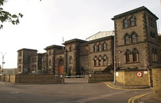 Prisoners Escape With Help Of Southfields Residents